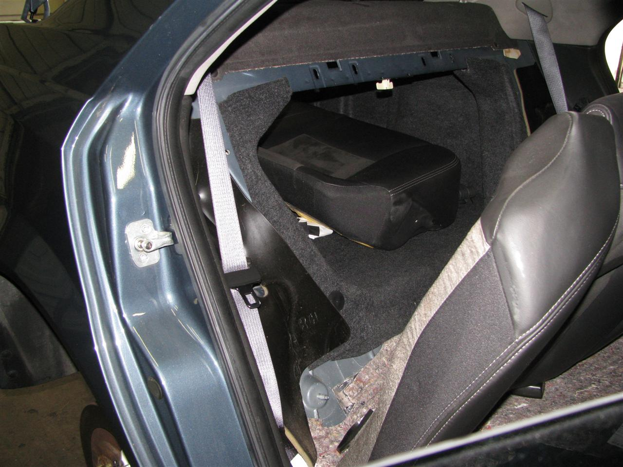 Kw Rear Rear Seat Out