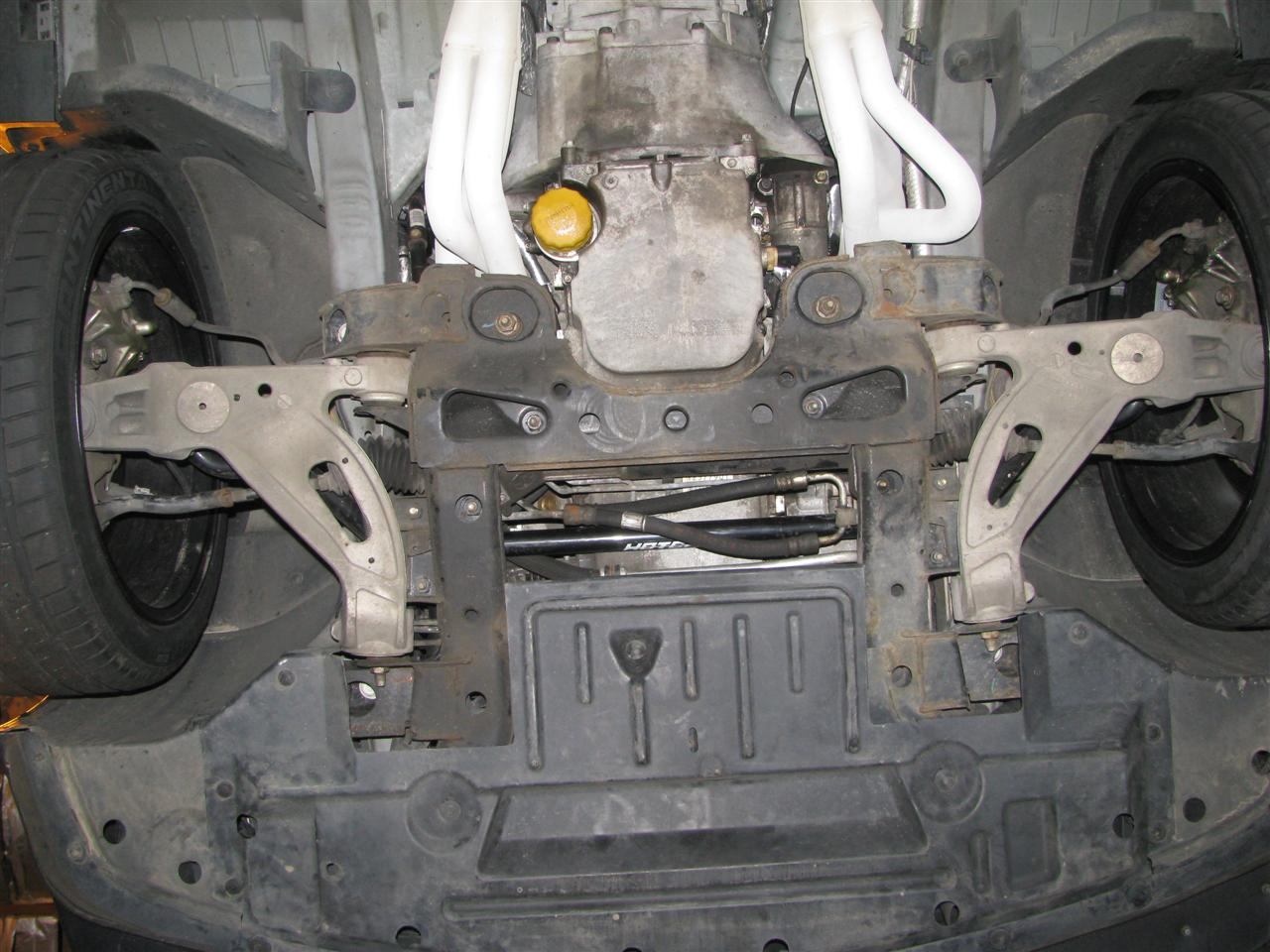 Index of /thepno95/Pictures/CTS-V pics/Suspension and Chassis/Underside